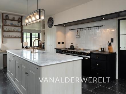 Massieve spoelbak en keukenwerkbladen in Carrara c extra poli